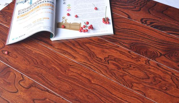 木地板该如何修补 地板刮花了怎么办